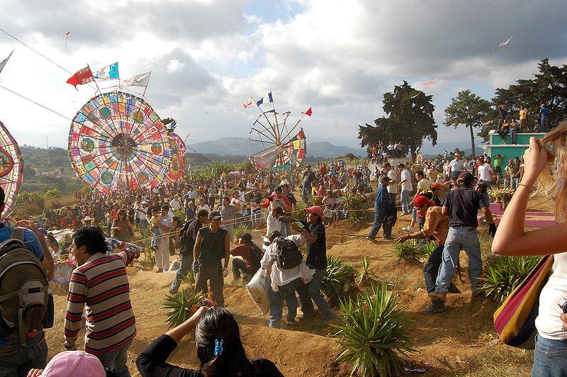 800px-Santiago_Sacatepequez_Kite_Festival