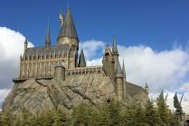 hogwarts-2404482_1920.jpg